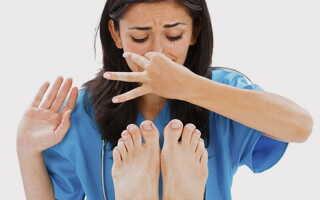 Народные средства против потливости ног и неприятного запаха в домашних условиях