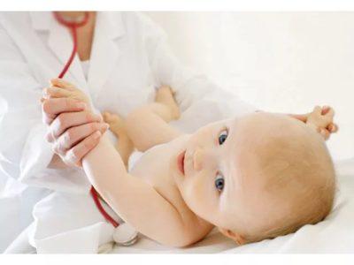 Почему у ребенка образуются опрелости в паху и как их лечить?