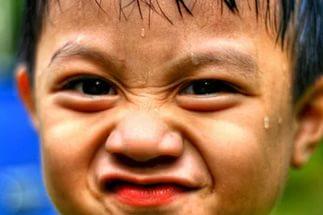 Почему ребенок может сильно потеть?