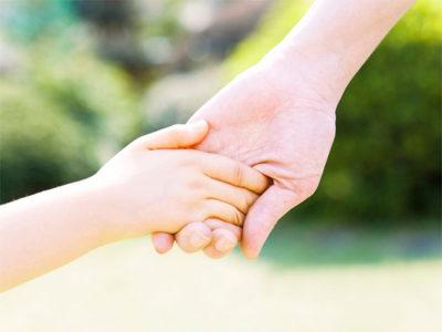 Повышенная потливость ладоней у детей — не откладывайте лечение!