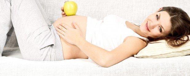 Почему беременных бросает в пот