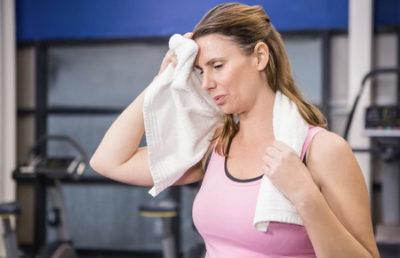 Причины потливости во время беременности: особенности каждого из триместров