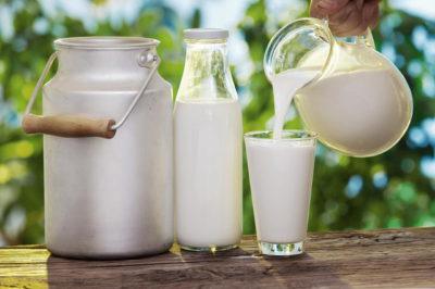 Прыщи от молока: что делать?